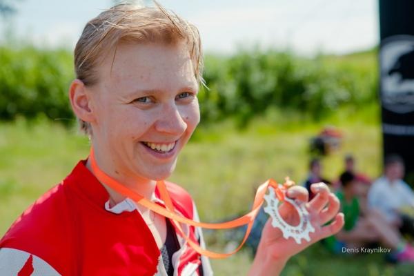 Вручение медалей финишерам - Ural MTB Marathon 2015