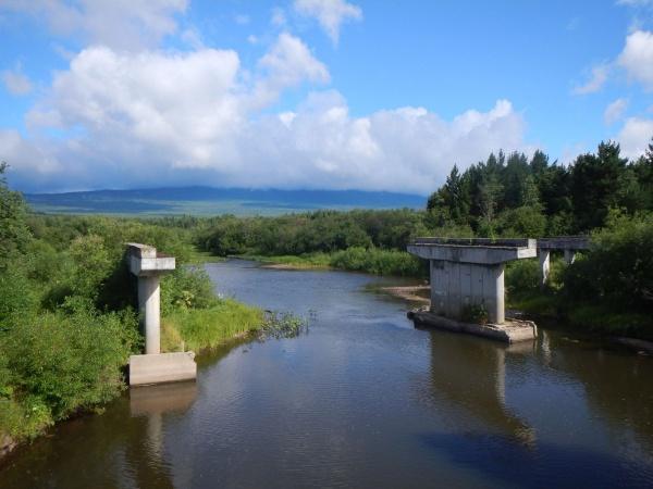 Старый недостроенный мост