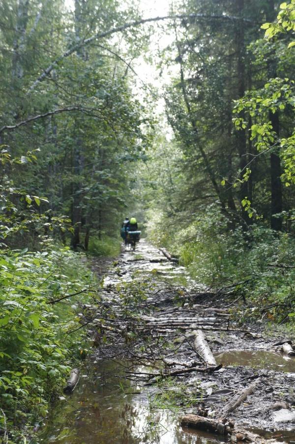 Дорога вдоль Зюраткуля