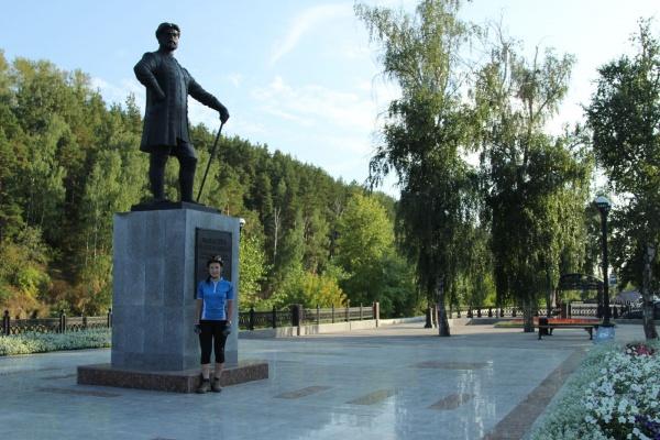 Памятник Твердышеву